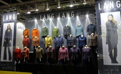 vitrine magasin lang yarns laine a tricoter